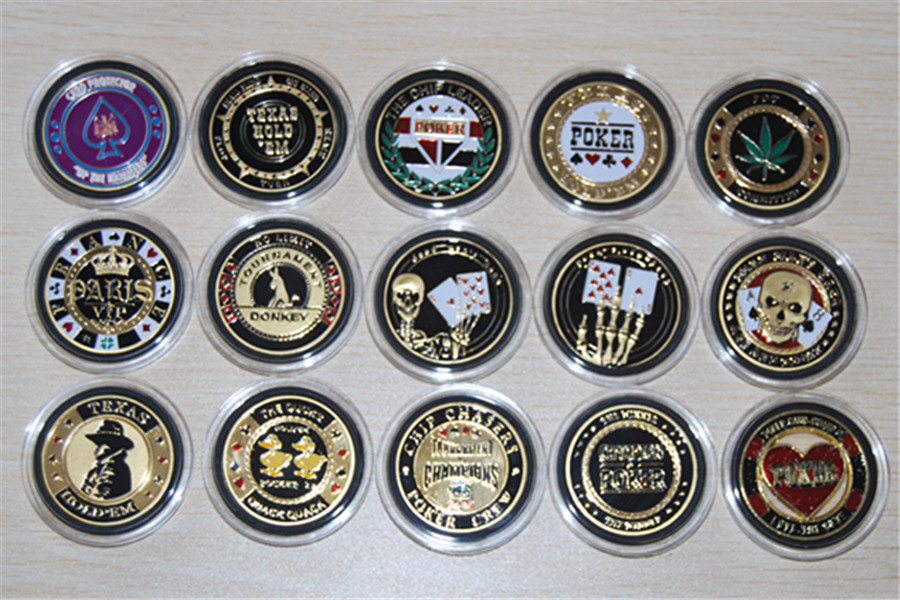Random sent,mix 5pcs/lot Metal Poker Chip Guard Card Protector Coin National Pastime Gold Plated With Round Case Metal Craft