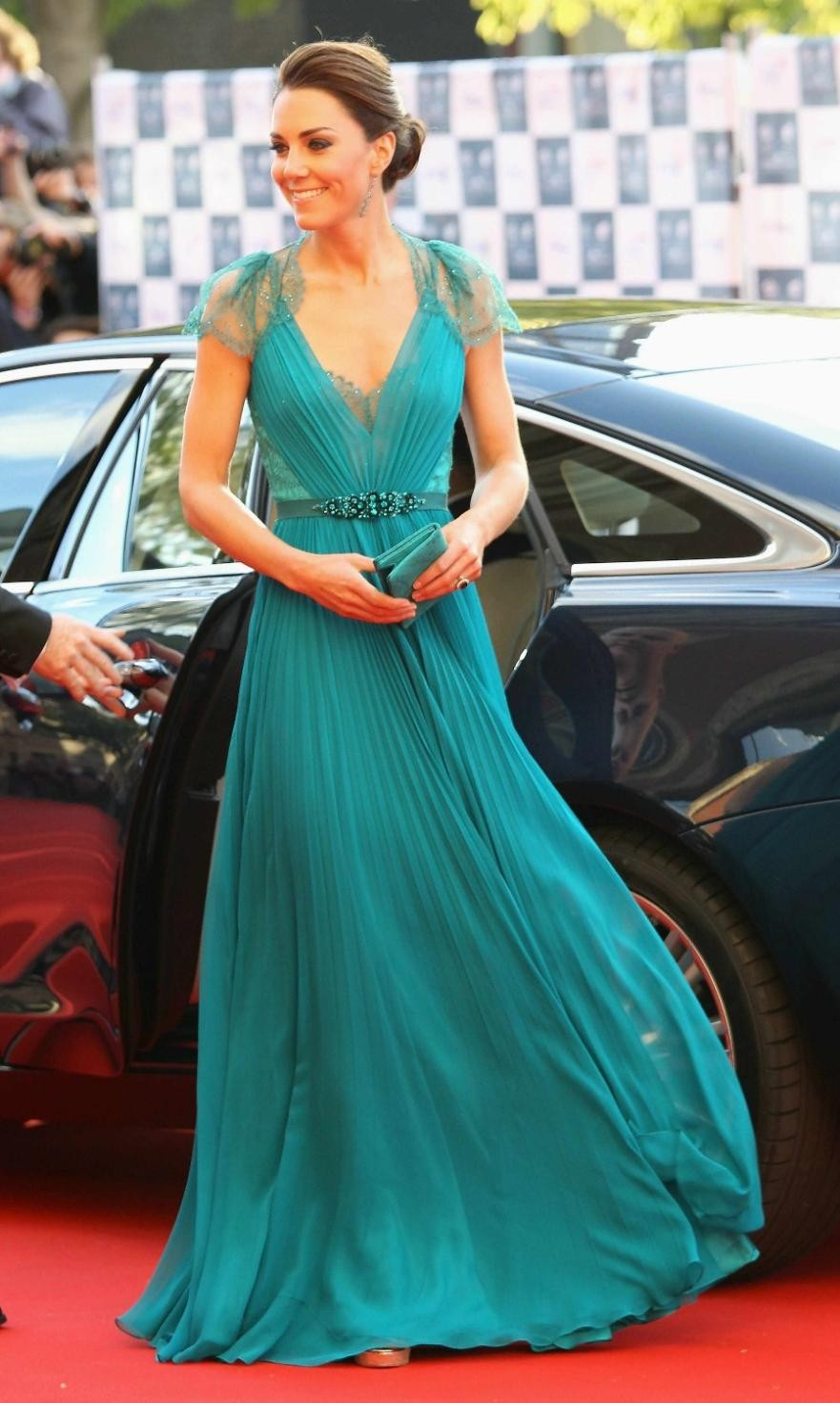 V Neck Abendkleider Cap Sleeves Robe De Soiree Green Lace Evening Prom Gown Vestido De Noiva 2018 Mother Of The Bride Dresses Wedding Party Dress