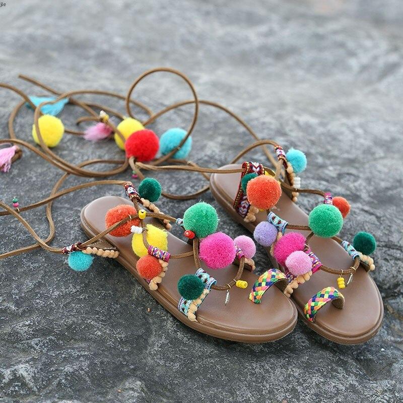Deification bohème Cross Strap bottes d'été couleurs mélangées boule de cheveux plate-forme sandales ethnique cuir piste chaussures sandales plates