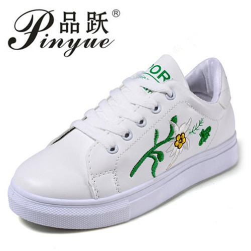 Embroidery Flowers Moccasins Women White shoes Female Soft Breathable Casual Shoes PU Leather Students Lace-Up Flat shoes a three dimensional embroidery of flowers trees and fruits chinese embroidery handmade art design book