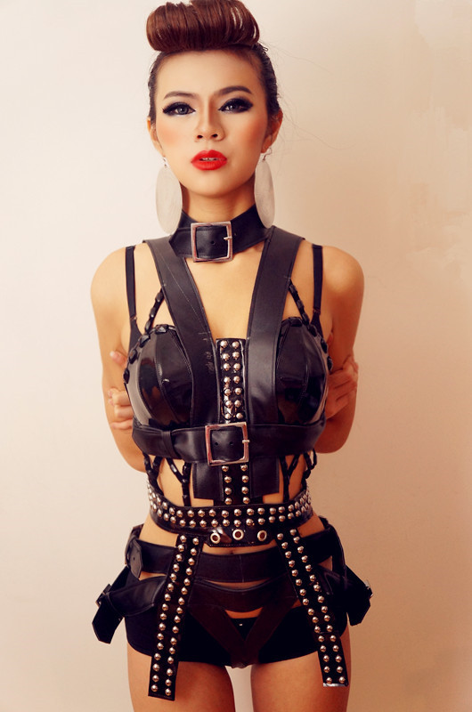 Black Punk Style Rivets Fashion Sexy Luxurious Dance Costumes Set Nightclub Bar Ds Dj Female Singer Dance Performance Stage Wear (2)