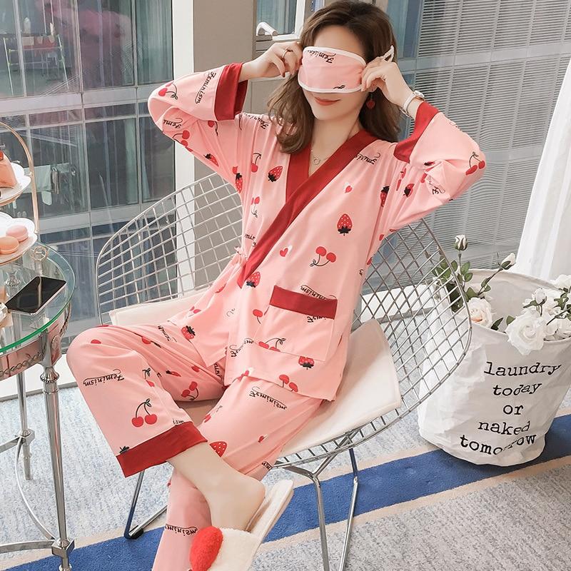 Японки в пижаме