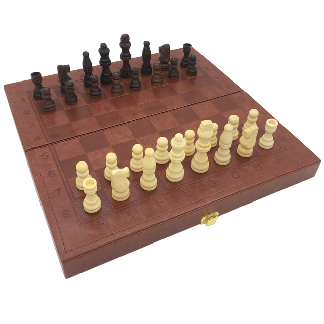 Нарды и шашки и шахматы 3 в 1 набор кожаная поверхность деревянная коробка и штук Размер доски 29,5 см x 29,5 см игры для путешествий на открытом воздухе