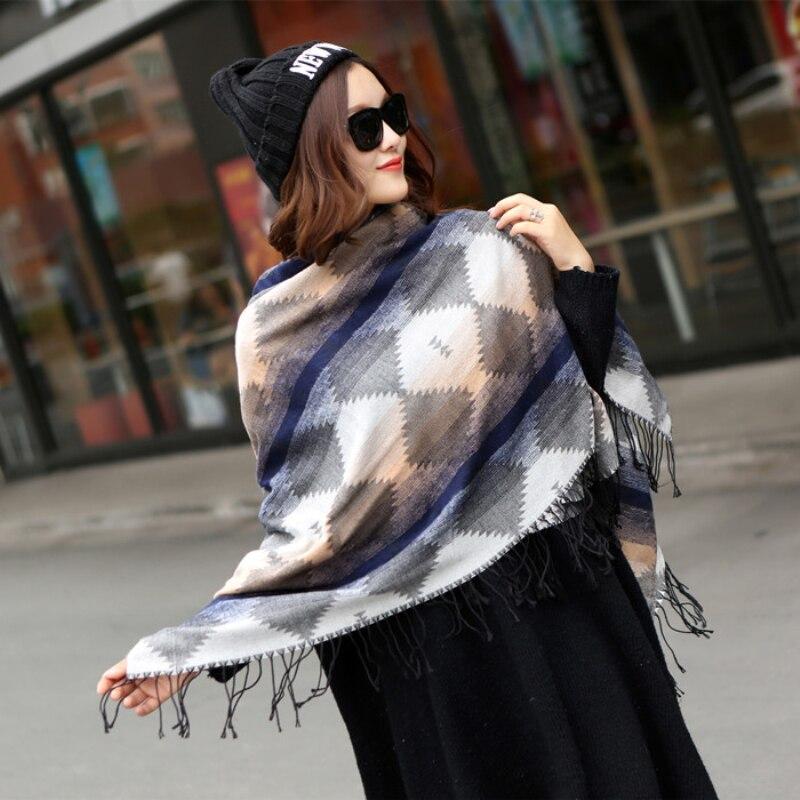 Nouvelle Hiver Femmes Mode châle Couverture Manteau Chaud Châle Tricoté Hiver  Wrap Plaid Écharpe dames Bordées Écharpe En Cachemire Femme d092ff3140c
