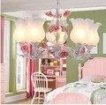 Креативное искусство  романтическое тепло  розовые розы  стеклянные люстры  Дворовые ресторанные люстры