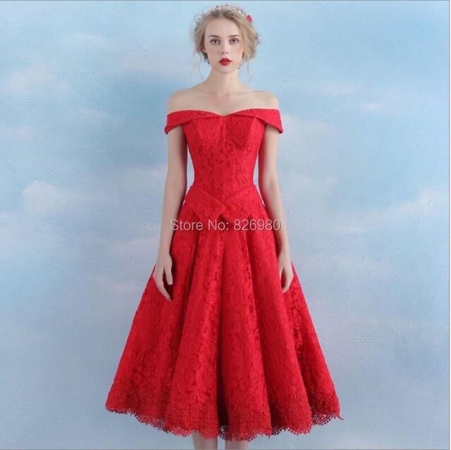 Rode jurk bruiloft gast