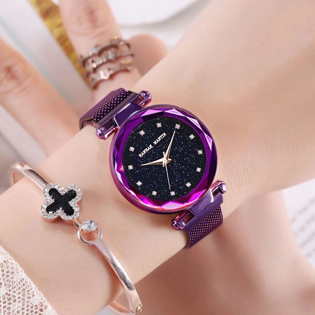 Fashion Star Sky Dial Quartz Watch for Lady Dress Clock New Elegant Magnetic Sta