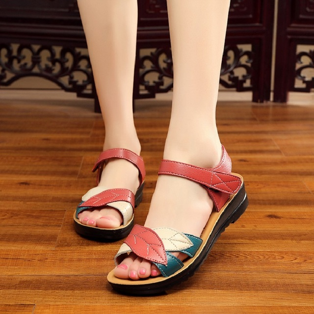 ZZPOHE summer new mother sandals soft bottom anti-skid middle-aged fashion Woman sandals flat comfortable women's shoes 35 41