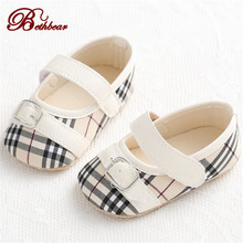 New Burbry British Striped Gingham Baby Shoes High Quality Leather Warmth Baby Born Newborn Shoes Baby Girl Moccasins