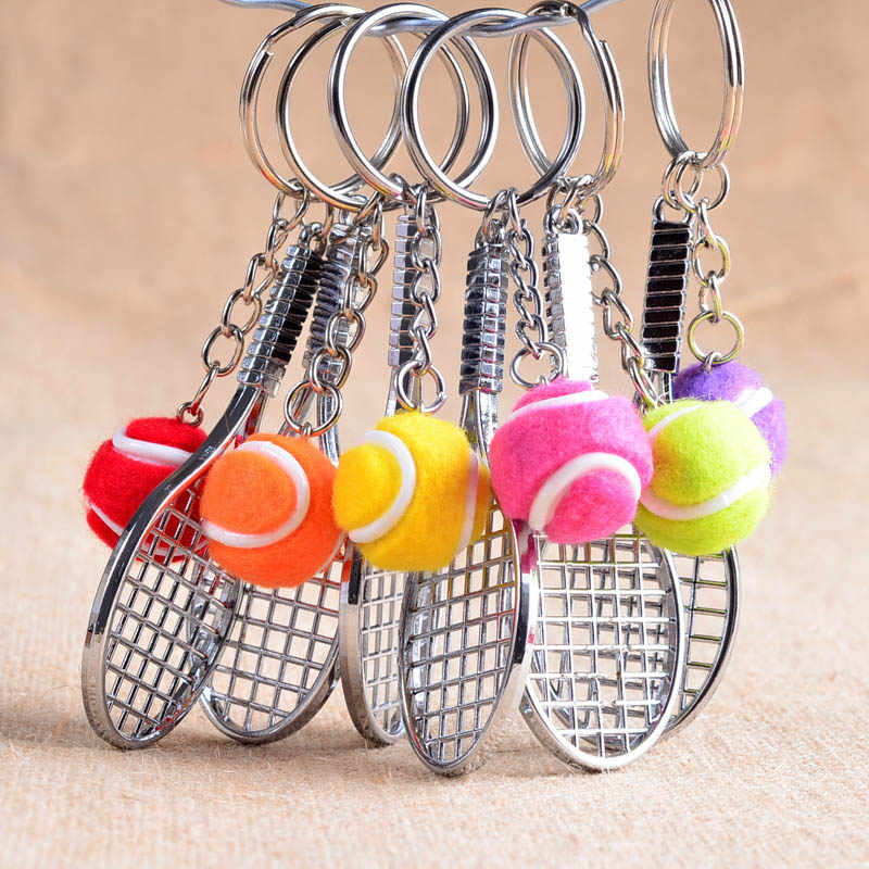 12 stks/partij Lichtmetalen Sleutelhangers Tennisbal Racket Meerdere Kleur Casual Sportief Stijl Mannen Vrouwen Tiener Sleutelhanger Sleutelhanger