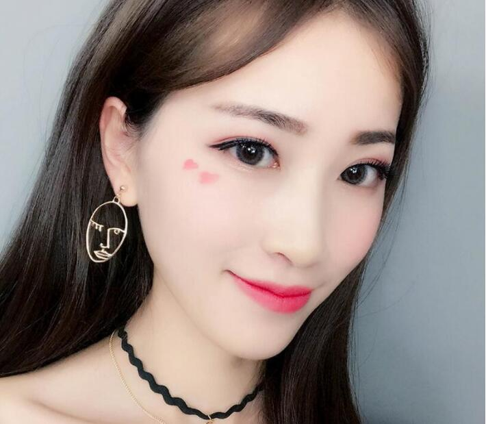 2017 High Quality Trend Fashion Gold Tone Face/Hand Statement Dangle Earrings For Women Chic Palm Fake Piercing Earrings Bijoux
