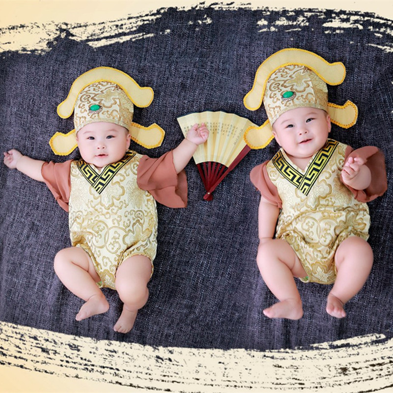 New Chinese Ancient Costume Baby Photography Clothing Exquisite Hundred Days Newborn Tang Suit Tang Bohu Emerald Hat Clothes Set newborn baby photography props infant knit crochet costume peacock photo prop costume headband hat clothes set baby shower gift