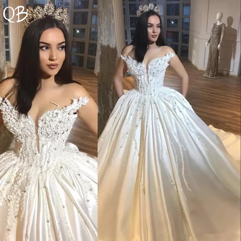 Luxury Ball Gown Fluffy Satin Crystal Appliques Lace Beading Muslim Wedding Dresses 2019 New Wedding Gowns Custom Made DW200