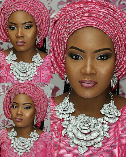 Elegant Pink Women Flower Crystal Wedding Necklace Earrings Set Zircon Rhinestone Party Jewelry Set for Brides WC039