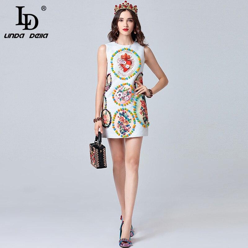 LD LINDA DELLA 2019 แฟชั่นรันเวย์ฤดูร้อนชุดสตรีแขนกุดสีขาวคริสตัล Cequin ดอกไม้พิมพ์มินิชุดสั้น-ใน ชุดเดรส จาก เสื้อผ้าสตรี บน   3
