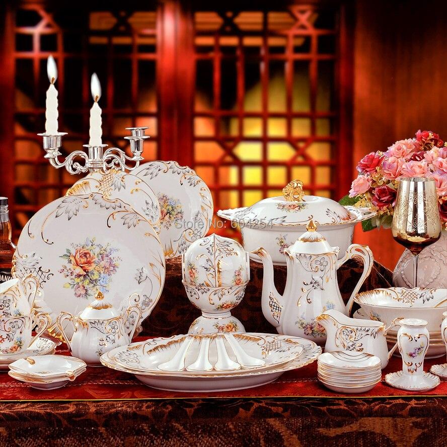 Free shipping 70-piece European luxury handmade relief dinnerware suit gilt embossed porcelain dinnerware <font><b>set</b></font>