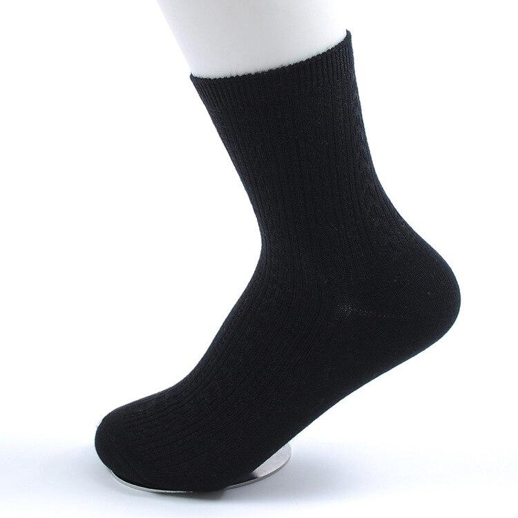2017 НОВОЕ ПРИБЫТИЕ Моды Марка Спортивные женские носки высокого качества волокна Бамбука бизнес Вскользь платья носки для женщины размер 35-41