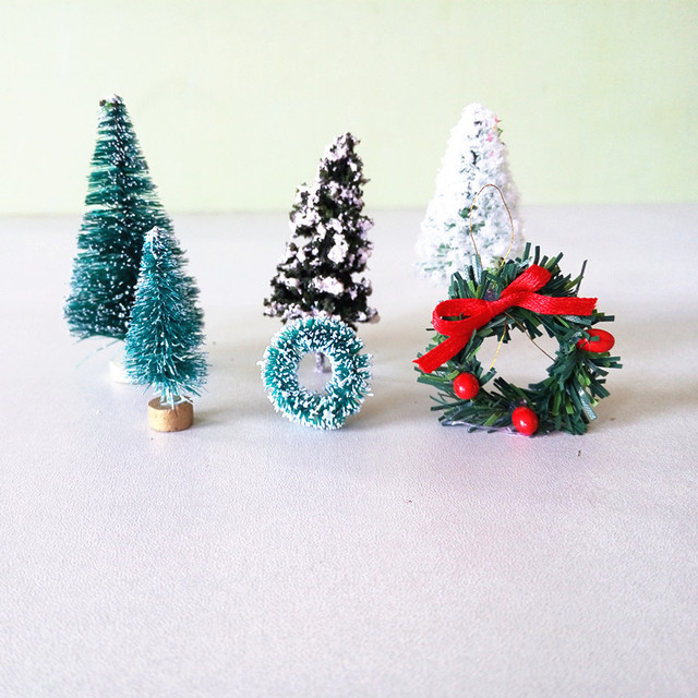Christmas Tree Wreaths Miniature Fairy Garden Home Decoration Mini Craft  Dollhouse Micro Decor DIY Gift Drop