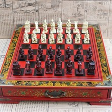 Hot Antique Chess Medium Desktop Stereo Chess Soldiers Resin Chess Pieces Wooden Board High Quality Gift Yernea