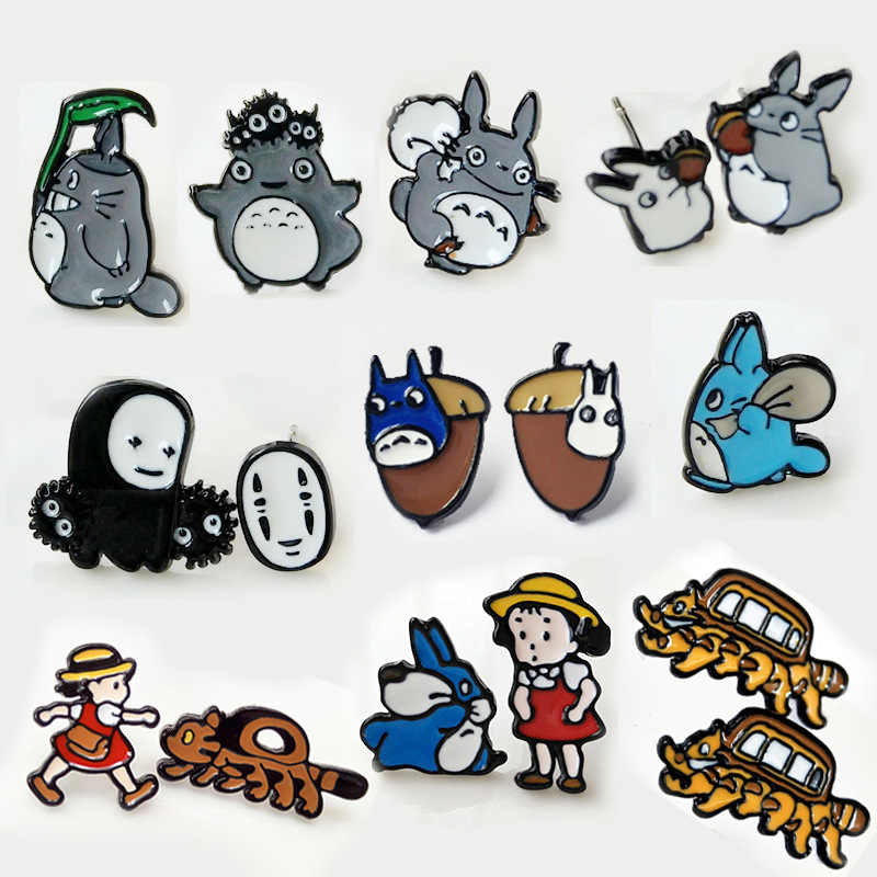 Cute cartoon Spirited Away Tonari no Totoro serie cosplay Orecchini Classic Anime 3d No Viso uomo Ear Piercing Orecchino Della Vite Prigioniera bijoux