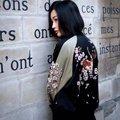 Otoño del resorte nuevas mujeres de europa y américa ambos lados flores bordado collar del soporte negro rosa bombardero chaqueta