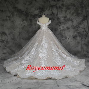 Image 4 - 새로운 럭셔리 레이스 디자인 웨딩 드레스 어깨 짧은 소매 웨딩 드레스 공장 사용자 정의 만든 도매 가격 신부 드레스