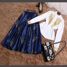 2017 New High Quality Summer European Ladies Embroidered Long Sleeve Turn-down Collar White Shirt + Knee-length Skirt Suits