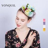 4 Colores De seda de Novia sombreros de la flor pinza de pelo del banquete de boda mini top hat mujeres de las señoras accesorios para el cabello con velos decoración SYF220