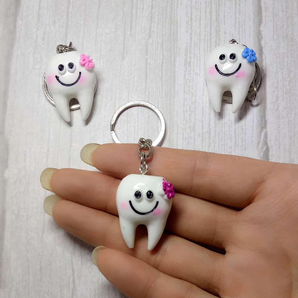 1piece Simulation Creative Happy Tooth Lovers Keychain Cute Smile Often Open Key Ring Gifts