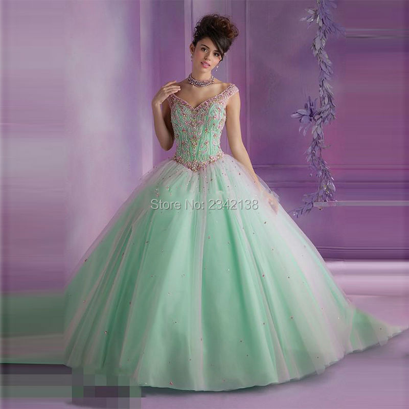 New Open Back Ball Gown Quinceanera Dresses 2017 Beaded Sweet 16 Dresses For 15 Years Vestido De Debutante Quinceanera gown
