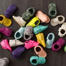 Кисточки первые мокасины младенцев ходунки кроватки искусственная мягкой новорожденных кроссовки детская