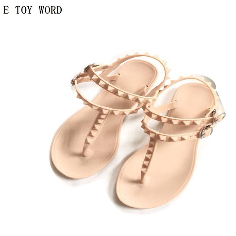 2017 Fashion Women Sandals Flat Summer Shoes Buckle Strap Casual Beach shoes Slipper Joker Rivet Contracted