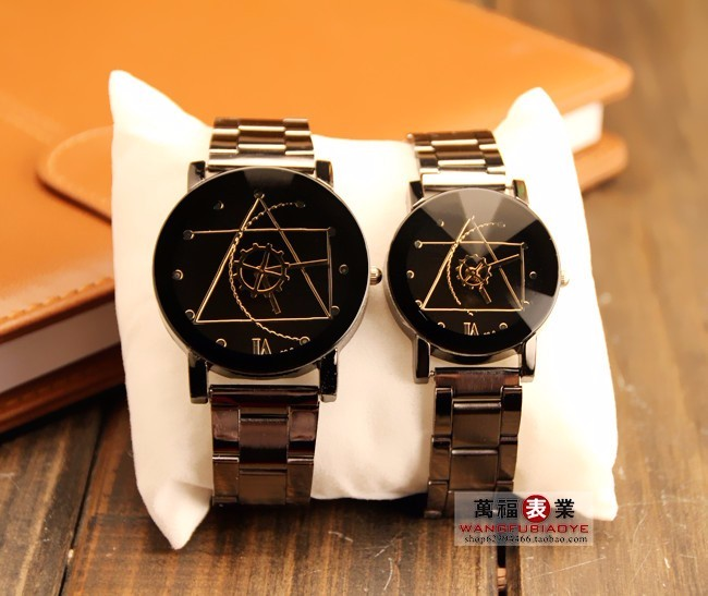 Relojes 2018  High Quality Casual Geneva Silver Stainless Steel Lovers Quartz Watch  Fashion Design Unique Lovers Watch Promotio