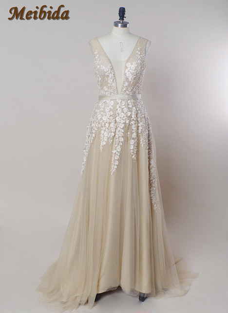 Vintage Boho Champagne Wedding Dresses Real Photo Sleeveless Lace Liqued Illusion Neckline Light Weight Bridal