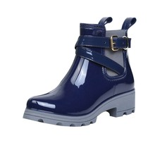 41c54c3908c1 Xiniu 2018 Water Boots Rain Boots Short Glossy Boot Women Waterproof Ankle Casual  Footwear chaussures femme