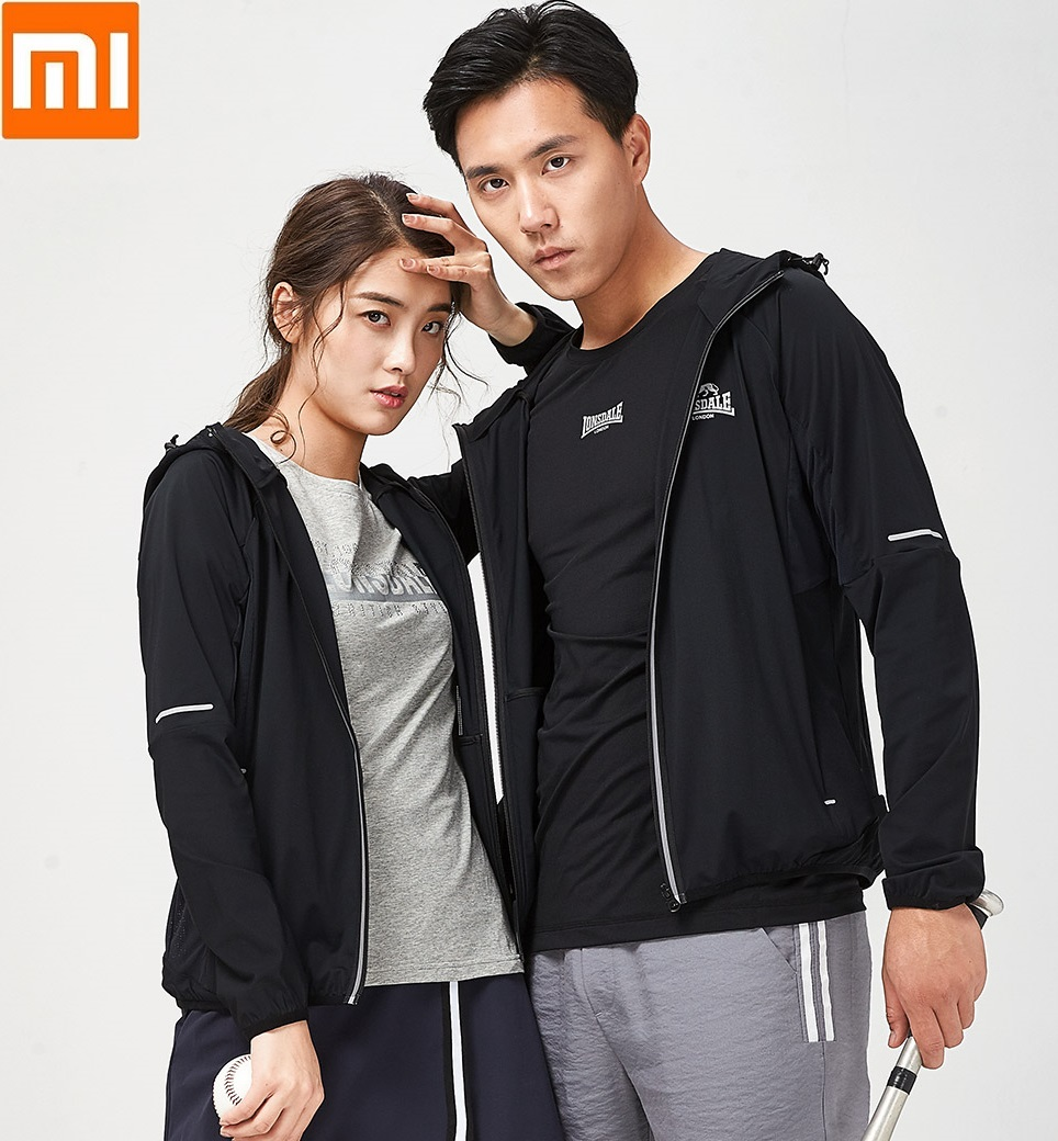 Xiaomi LONSDALE Elastic sports jacket Light and breathable Comfortable Couple fashion Hooded Windbreaker coat for man