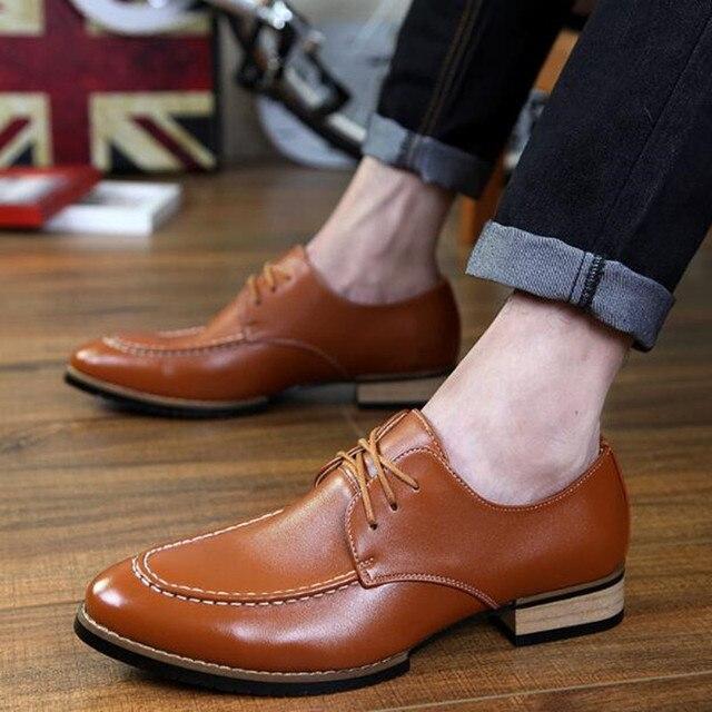 2016 Nuevos Populares Zapatos de Cuero Con Cordones Tallada Zapato de Ocio de Los Hombres Zapatos de Moda Casual de Negocios Masculino Zapatos de Carrera Oficina Brogue Hombre