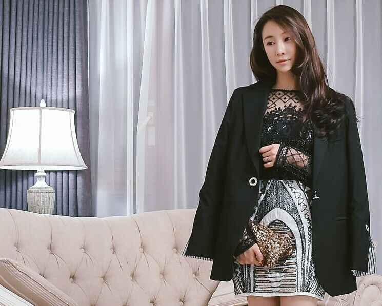Cakucool Женская Ретро белая расшитая Блестками Короткая юбка винтажная вышитая бисером юбка-карандаш Высокая талия Золотая Сельма облегающая подиумная мини-юбка