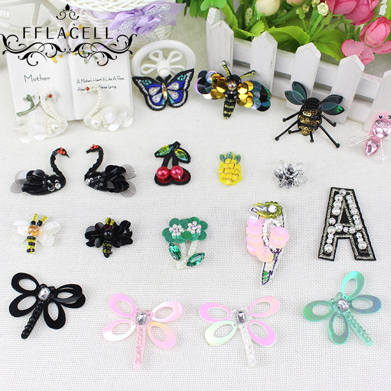 FFLACELL 10pcs Random Embroided Sequin Beading patch Mini Flower Bee Butterfly Insect Sew On Patches Applique Badges