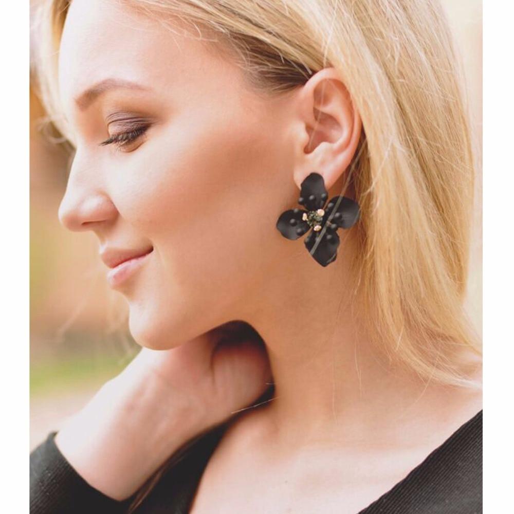 eManco Wholesale Flower Stud Earrings Black Vintage Crystal Earrings Mini Statement 2018 Jewelry Gifts for Women