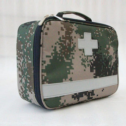 Outdoor First Aid Kit Outdoor Sports Nylon Waterproof Cross Messenger Bag Family Travel Emergency Medical Bag DJJB032