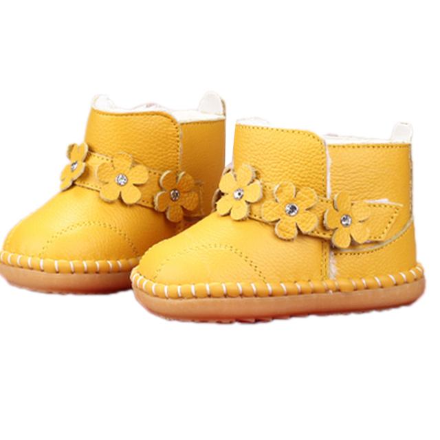Zapatos de Bebé de invierno Botas de Los Niños Zapatos de la Felpa Caliente de Flores de Coser niñas Bebé bebé Músculo de la Vaca de Cuero Genuino botas de piel los recién nacidos