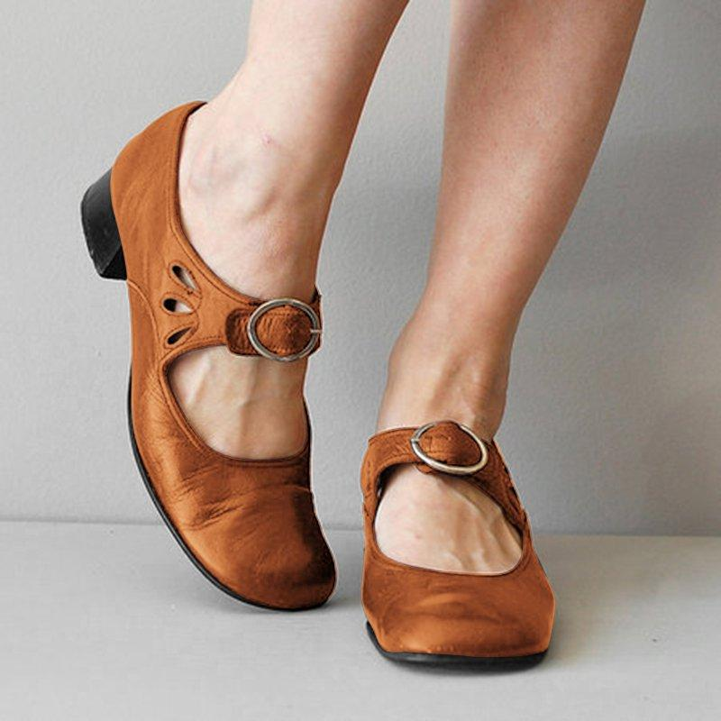 WENYUJH Summer Hollow Out Sandals Women Shoes Pointed Toe Sweet Woman  Retro  chunky  Shoes Plus Size 35-43WENYUJH Summer Hollow Out Sandals Women Shoes Pointed Toe Sweet Woman  Retro  chunky  Shoes Plus Size 35-43