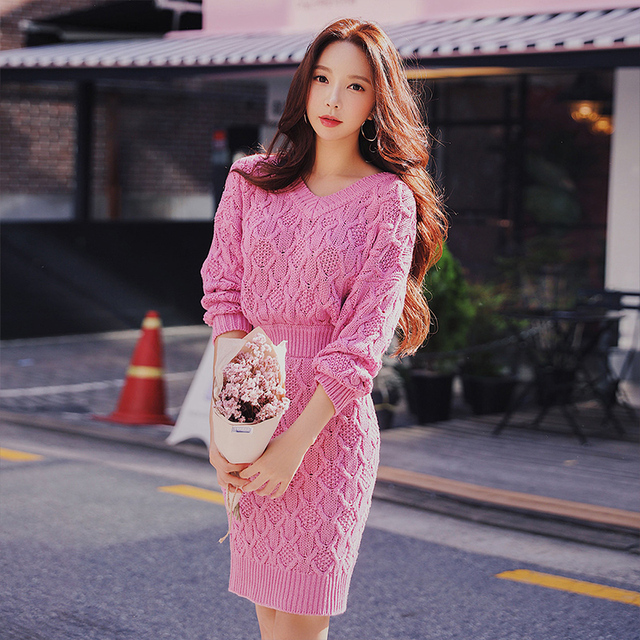 Dabuwawa Women Winter Knitted Midi Bodycon Dresses Pink Casual Long Sleeve V-neck A-Line Elegant Party Dress for Girls D18DDR006
