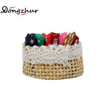 Casa de muñecas Dongzhur miniaturas 112 accesorios de costura Manual accesorios Linda y realista caña de algodón cabeza y tijera