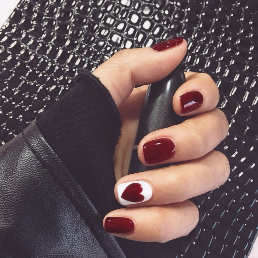 Winter beautiful false nails Dark wine red love pattern fake nails ...