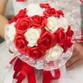 Rojo y blanco Wedding Bouquet Rose flores dama de honor mano que sostiene la flor accesorios de la boda