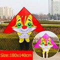 O envio gratuito de alta qualidade gato lindo pipa 10 pçs/lote crianças kite handle atacado nylon ripstop tecido pipa saco da folha