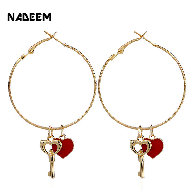 NADEEM Women Basketball Brincos Celebrity Brand Hoop Earrings Gold Color Circle Design Key and Heart Pendant Earring Jewelry