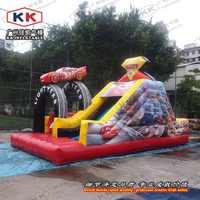 Nadmuchiwany samochód wyścigowy bramkarz nadmuchiwany obstalce slajdów dla małych dzieci nadmuchiwane zjeżdżalnia zewnętrzna